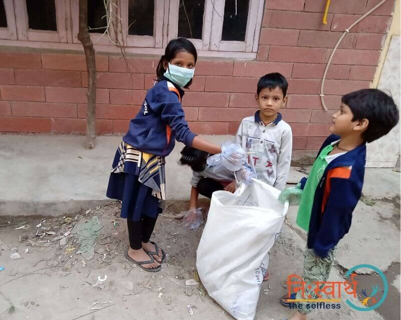 1 - Chillar Party - Cleanliness Drive - Niswarth The Selfless